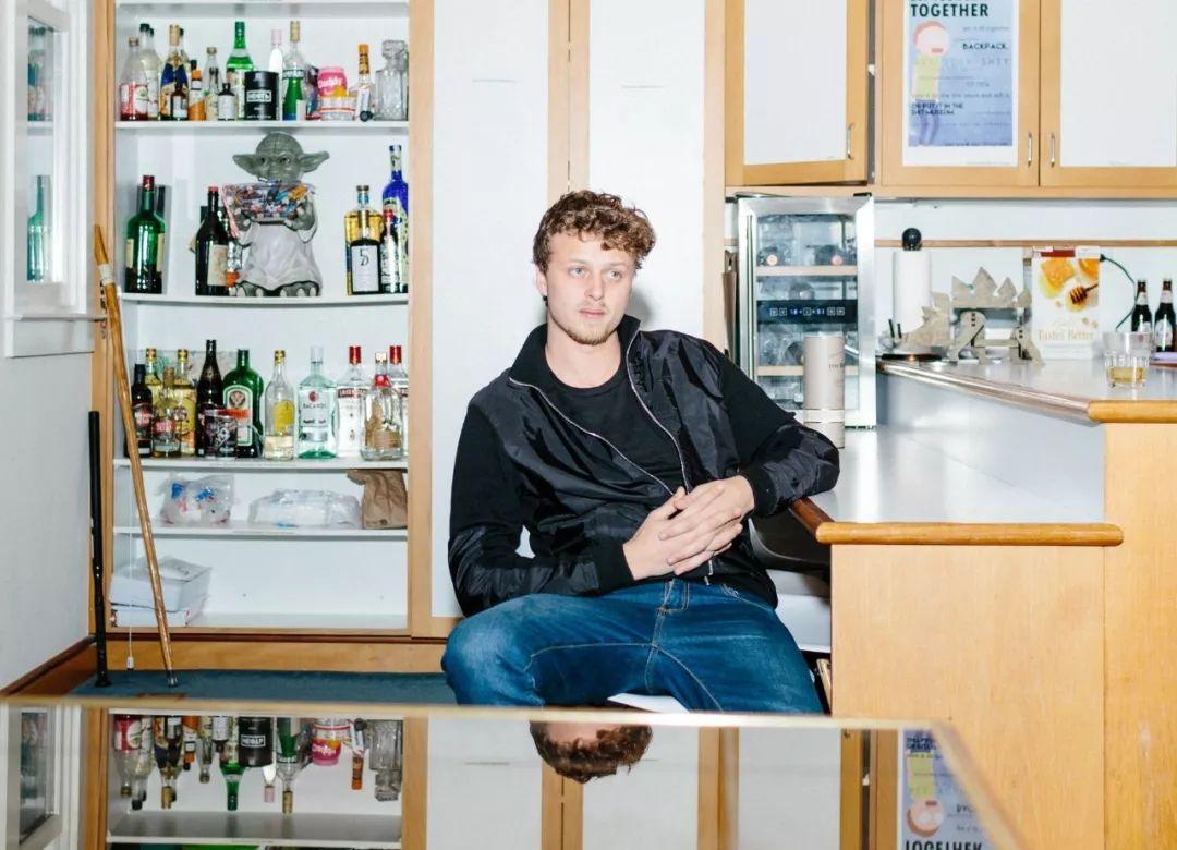 25岁创立加密城堡, 曾经独角兽创始人社会名流天才黑客是这里的沙发客, 如今却无人问津……-区块链315